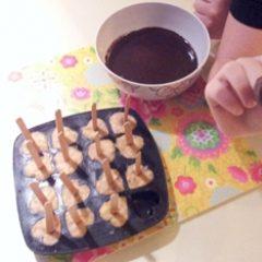 הכנת ארטיק בננה מצופה שוקולד